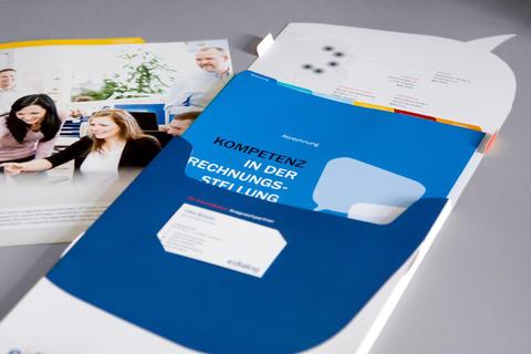 corporate_design_relaunch_galerie_02___produktflyer_2