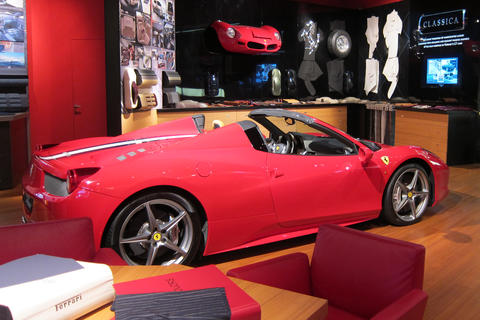 occ_website_cases_ferrari_messe2_181205