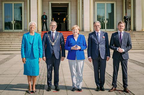 Von links nach rechts: Christine Lagarde, Prof. Dr. Stephan Stubner, Bundeskanzlerin Dr. Angela Merkel, Ulf Schirmer und Michael Kretschmer
