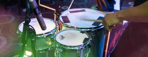Trommelworkshop als Abendprogramm